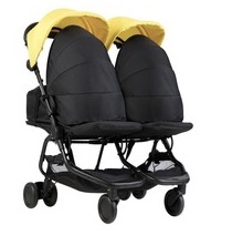The stroller can be used from birth with cocoon carrycots