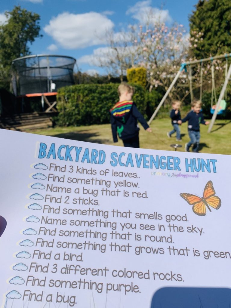 Scavenger hunt to keep toddlers entertained at home