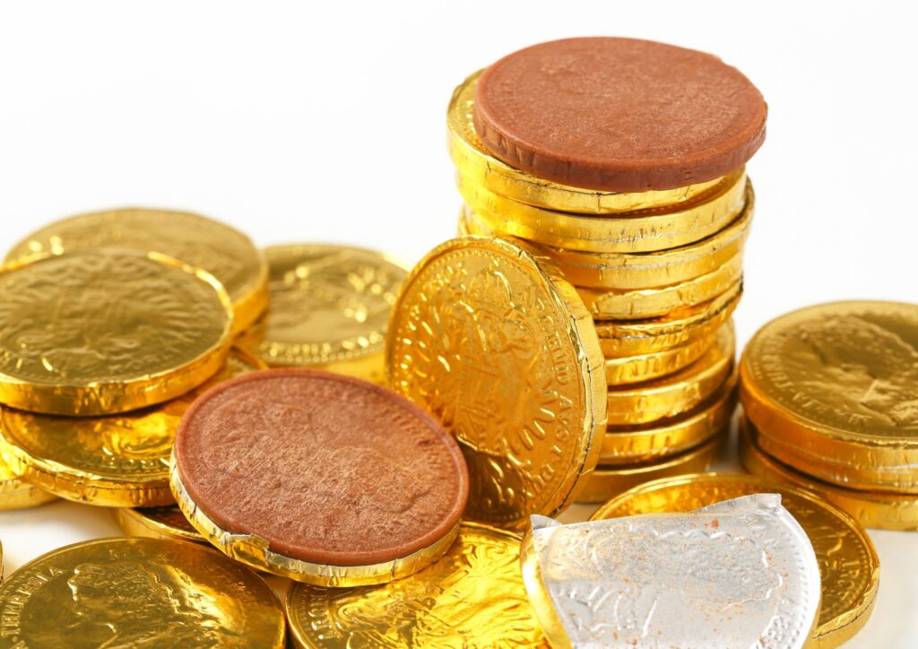 A pile of chocolate coins as an idea for Christmas Eve Boxes