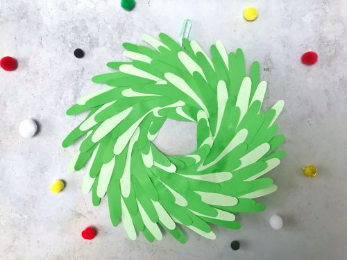 Handprint wreath as a Christmas craft