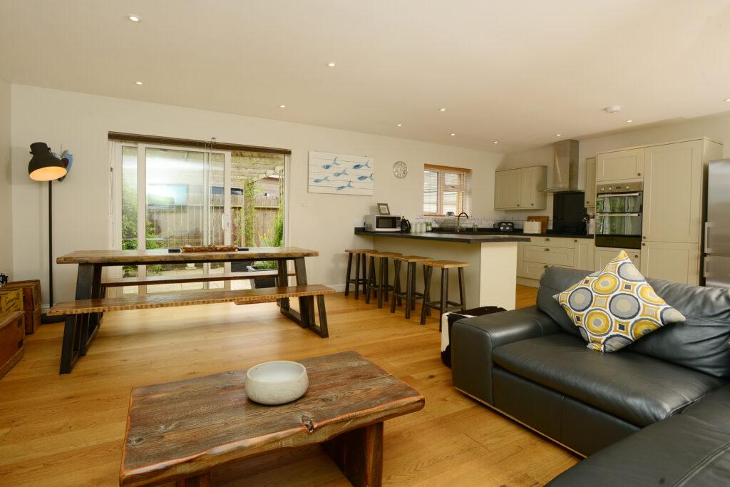 Gwelmor holiday home living area